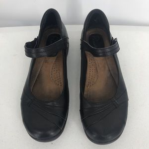 Earth Origins Donna Mary Jane Black Shoes Size 8M